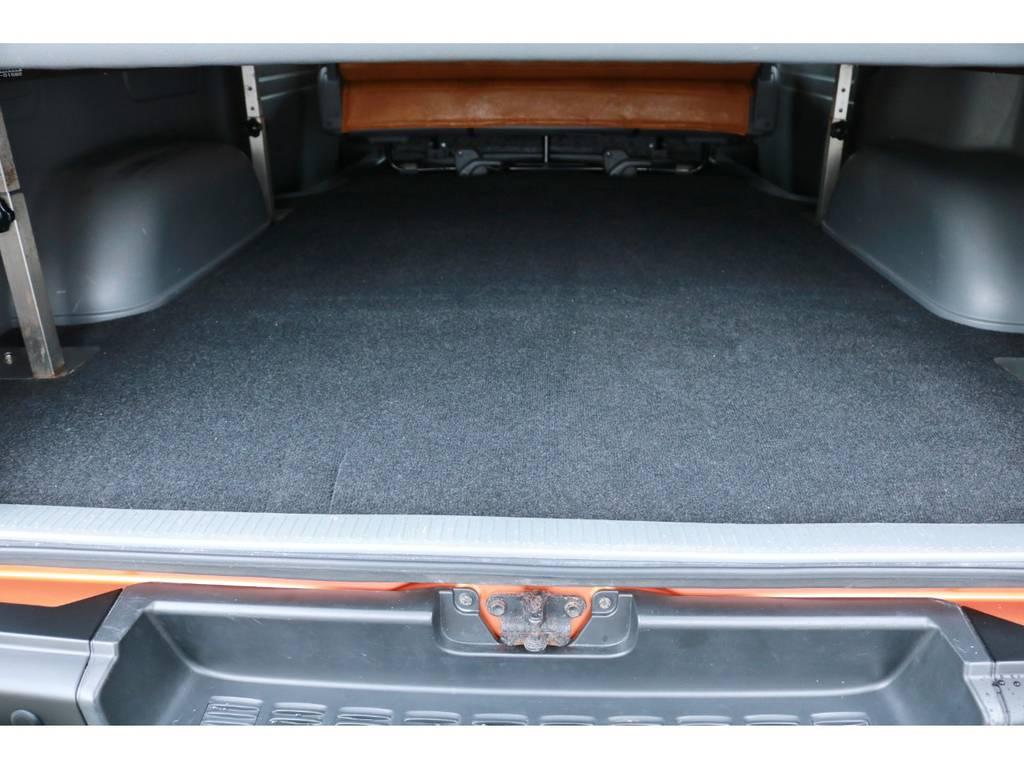 ベット下には十分なラゲッジスペースもあります! | トヨタ ハイエースバン 2.7 スーパーGL ワイド ロング ミドルルーフ RENOCAコーストライン