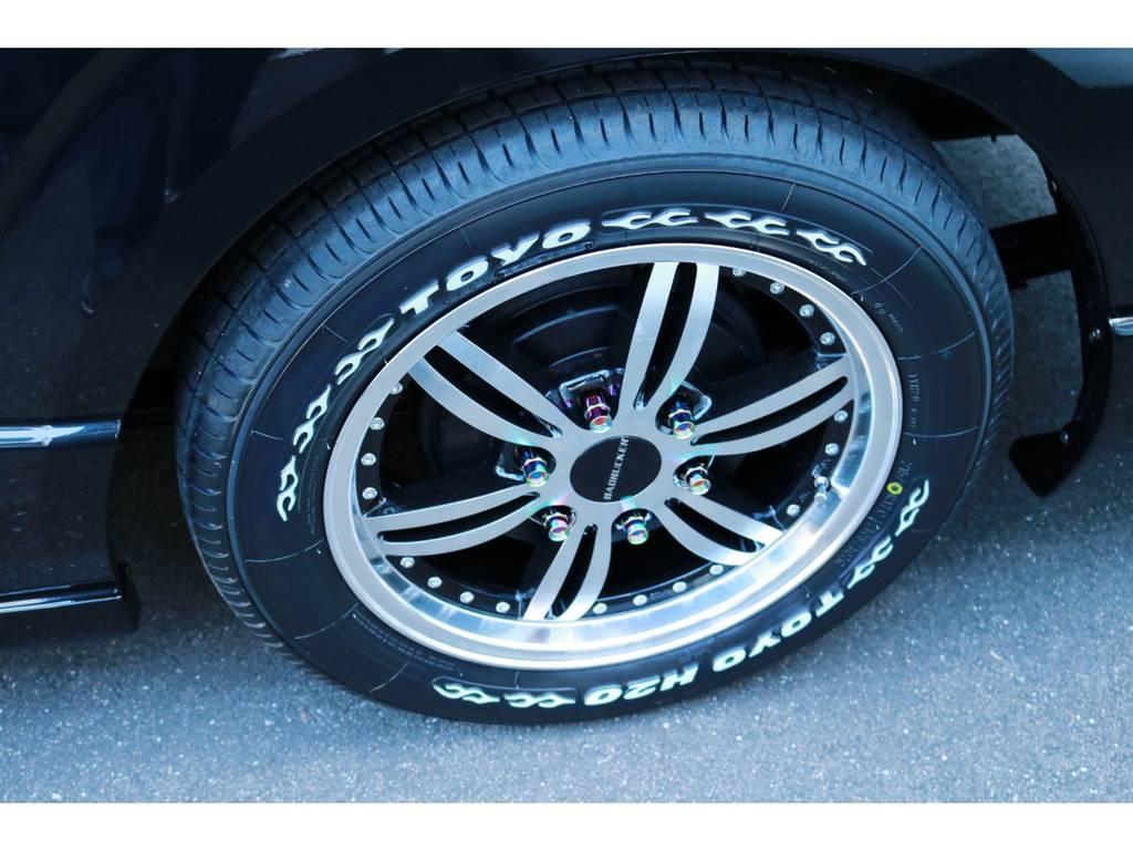 415コブラ「バッドラッカー」17インチAW&H20ホワイトレタータイヤ!必見ポイントは鍛造ナットまで使用するこだわり方!