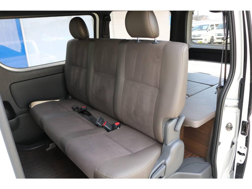 後席シートベルトは標準装備です。   トヨタ ハイエースバン 2.8 スーパーGL 50TH アニバーサリー リミテッド ロングボディ ディーゼルターボ 4WD ☆室内架装車Ver.4☆