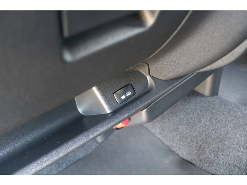 AC100Vアクセサリーコンセント! | トヨタ ハイエースバン 2.8 スーパーGL ダークプライムⅡ ロングボディ ディーゼルターボ ☆LEDエディション☆