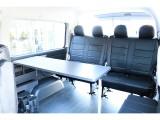 テーブルも装備されてます。全国納車お受け致します。 お気軽にお問合せ下さいませ。 TEL:072-730-7760