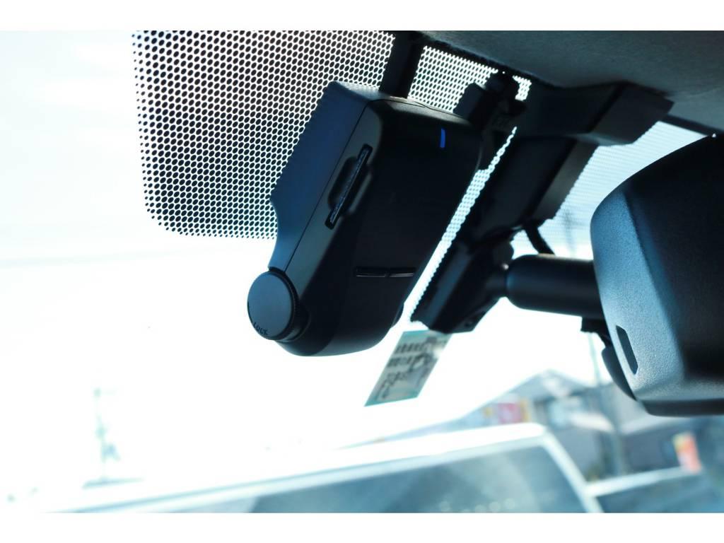 ドライブレコーダー付きで安心ですね! | トヨタ ハイエース 2.7 グランドキャビン 4WD ベットキット完備