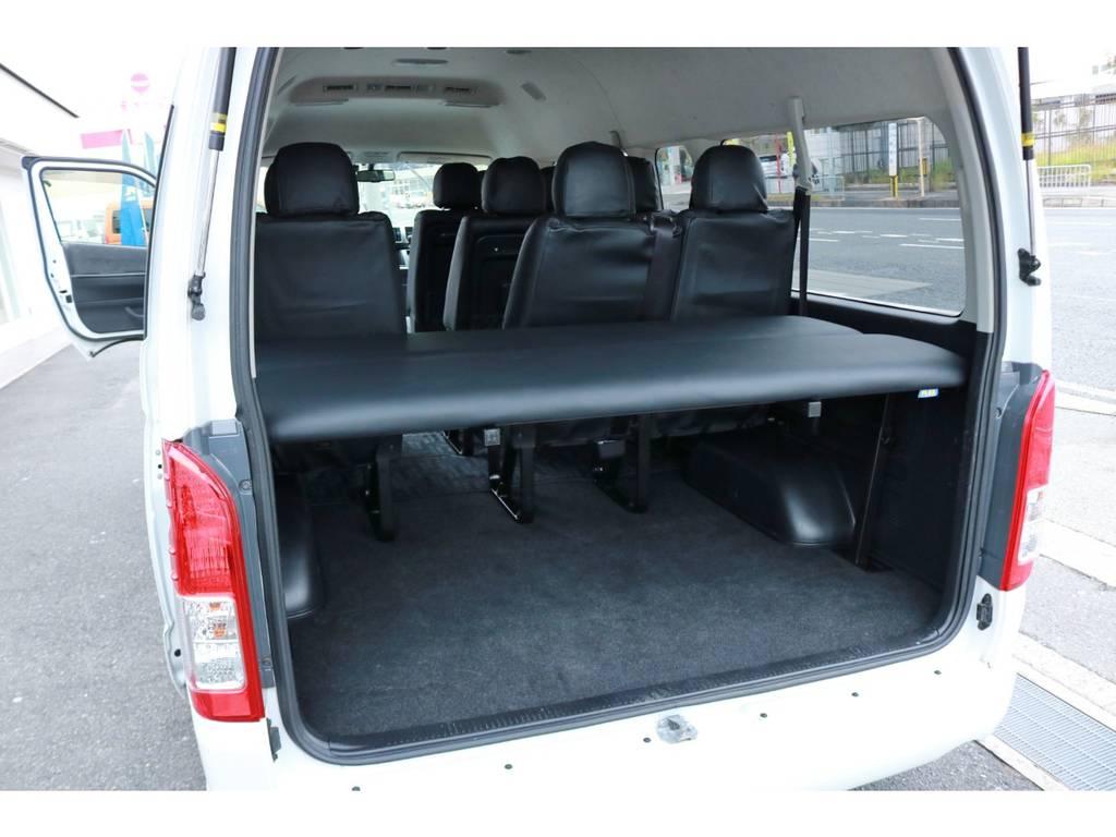前向き10人乗り乗車時もラゲッジスペースの確保が可能です! | トヨタ ハイエース 2.7 グランドキャビン 4WD ベットキット完備