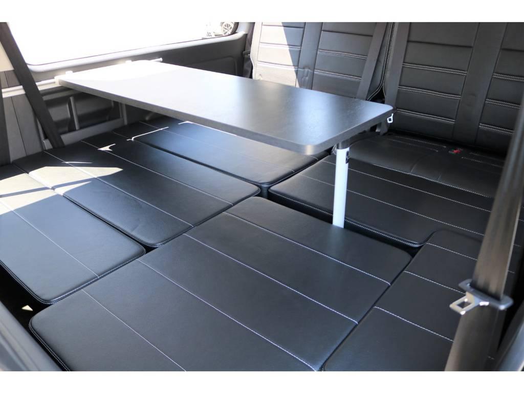 3列目はベットキットになってます!テーブルセットも完備! | トヨタ ハイエース 2.7 GL ロング ミドルルーフ シートアレンジVer.2!即納車可能!