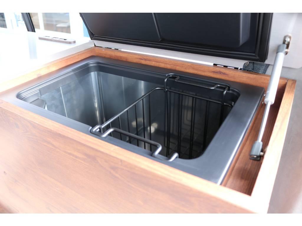 40Lの大容量冷蔵庫が標準装備です!