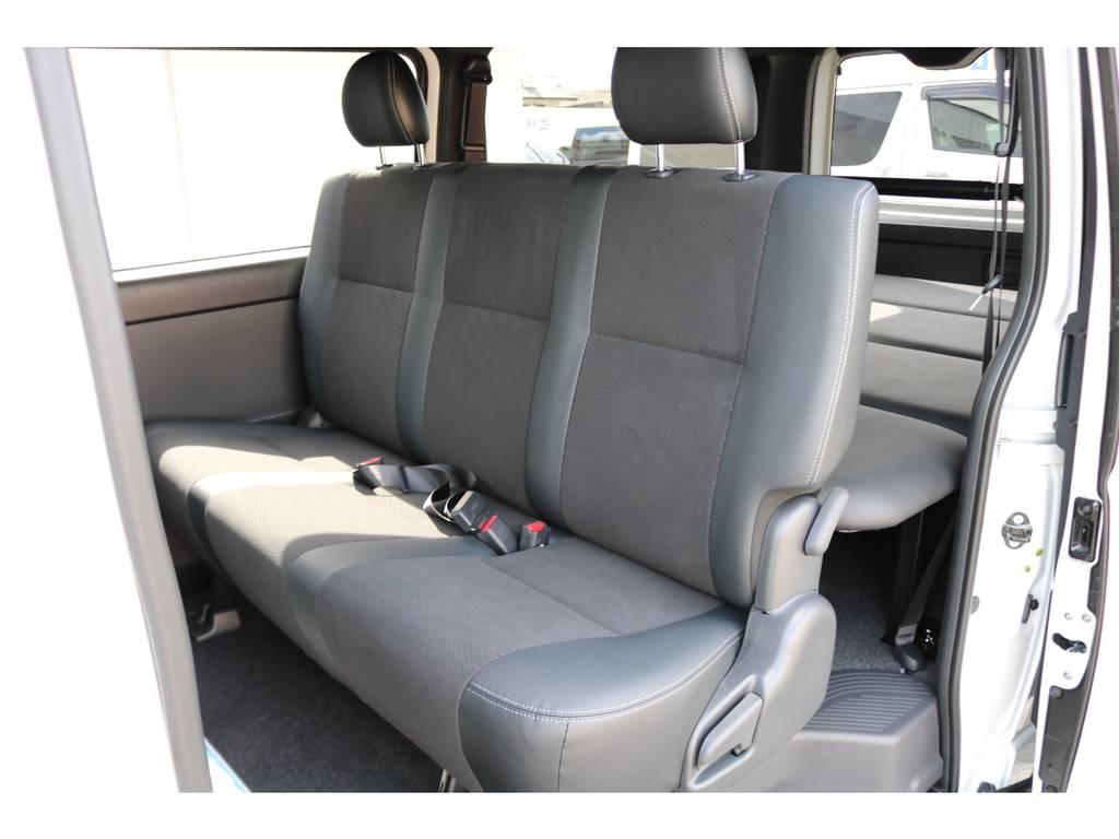 後席シートベルトは標準装備です。