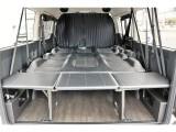 大きく使える室内で車中泊も可能です!