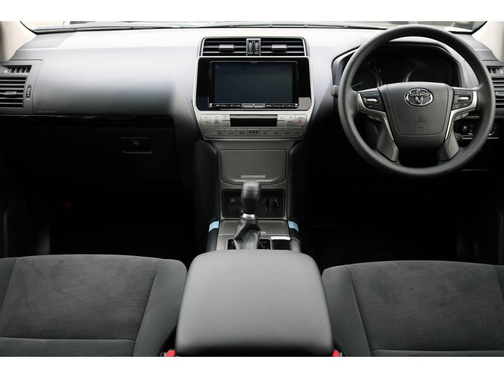 運転席廻り!6速AT車! | トヨタ ランドクルーザープラド 2.8 TX ディーゼルターボ 4WD