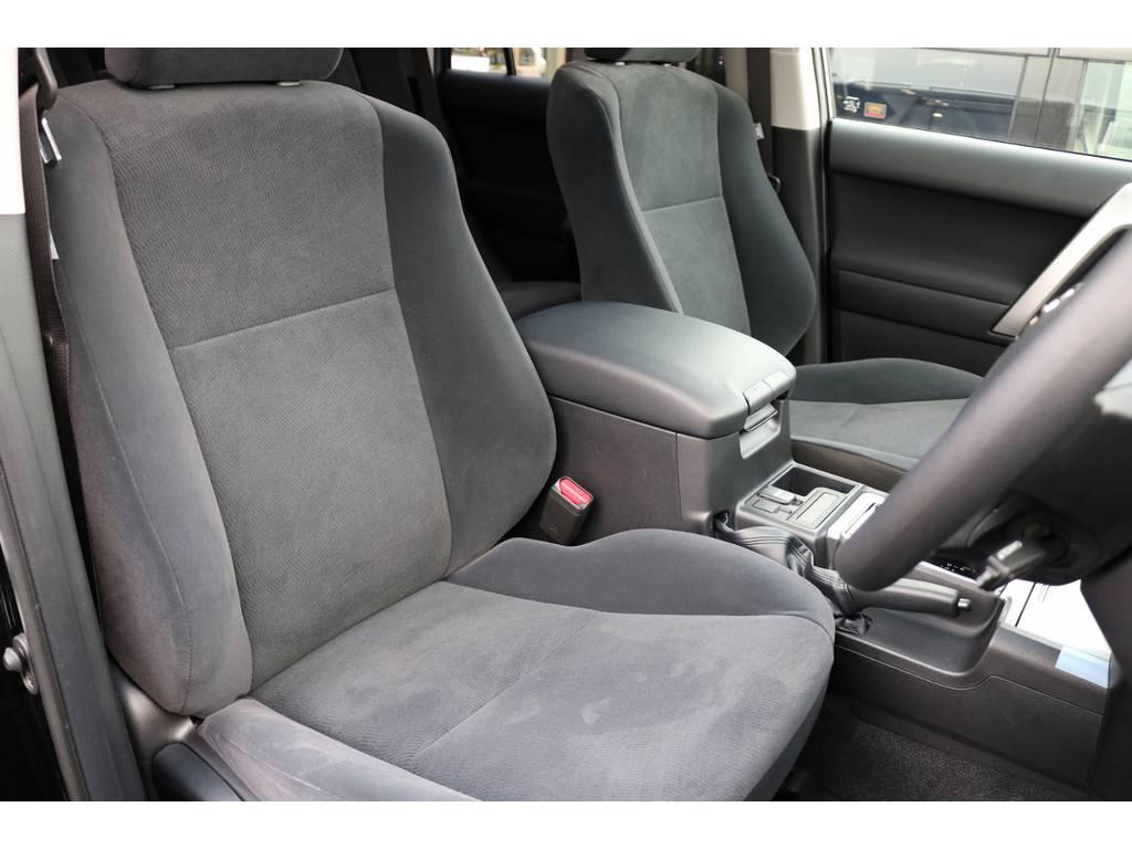 運転席シート! | トヨタ ランドクルーザープラド 2.8 TX ディーゼルターボ 4WD