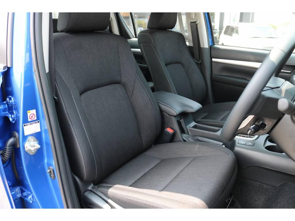 運転席シート! | トヨタ ハイラックス 2.4 Z ディーゼルターボ 4WD Z