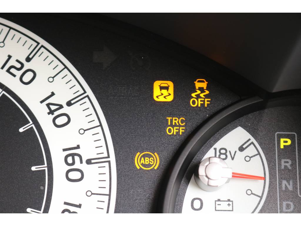 安全ディバイスも充実しているFJクルーザー! | トヨタ FJクルーザー 4.0 カラーパッケージ 4WD