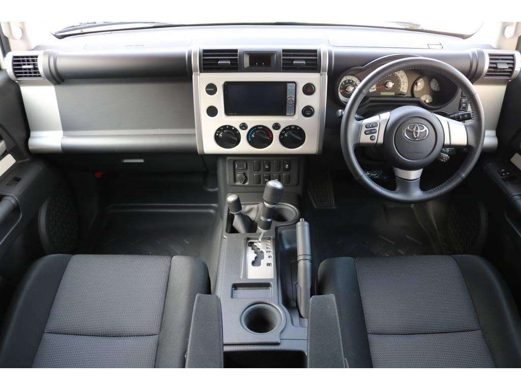 遊び心くすぐるインパネ廻り! | トヨタ FJクルーザー 4.0 カラーパッケージ 4WD