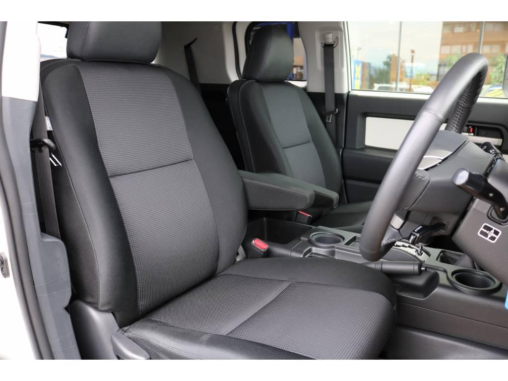 撥水性の高いシート生地となっております! | トヨタ FJクルーザー 4.0 カラーパッケージ 4WD