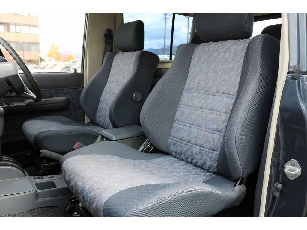 助手席シートコンディションも良好です!   トヨタ ランドクルーザー70 4.2 ZX FRPトップ ディーゼル 4WD