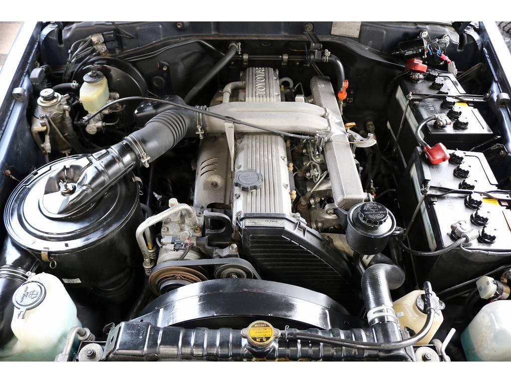 エンジンルームコンディションも良好です!   トヨタ ランドクルーザー70 4.2 ZX FRPトップ ディーゼル 4WD