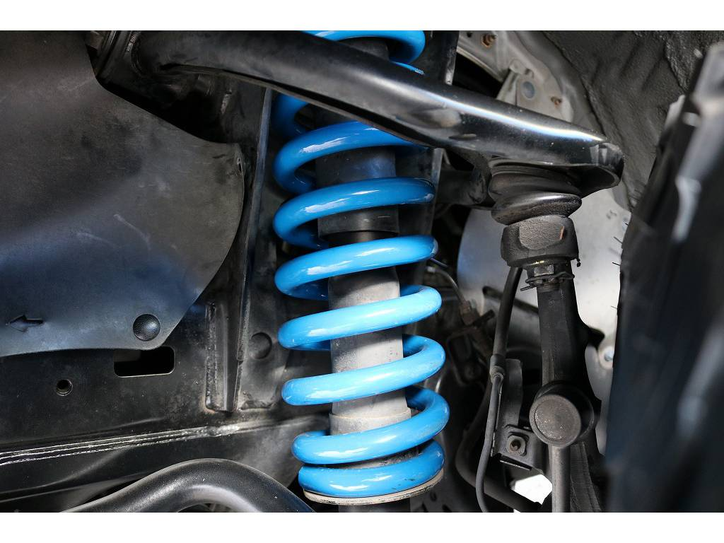 新品オリジナル2インチUPコイル! | トヨタ ランドクルーザープラド 2.7 TX 4WD