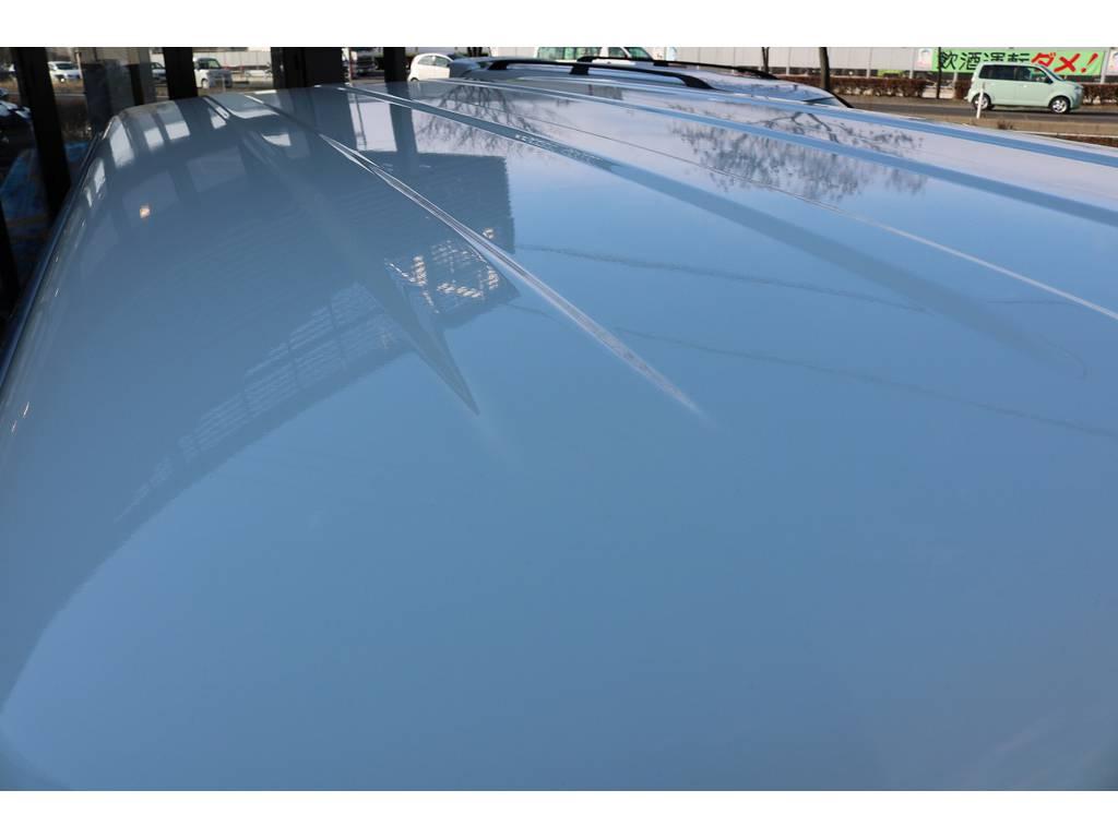 ルーフはホワイトに塗り分けを行っております! | トヨタ ランドクルーザープラド 3.0 SXワイド ディーゼルターボ 4WD