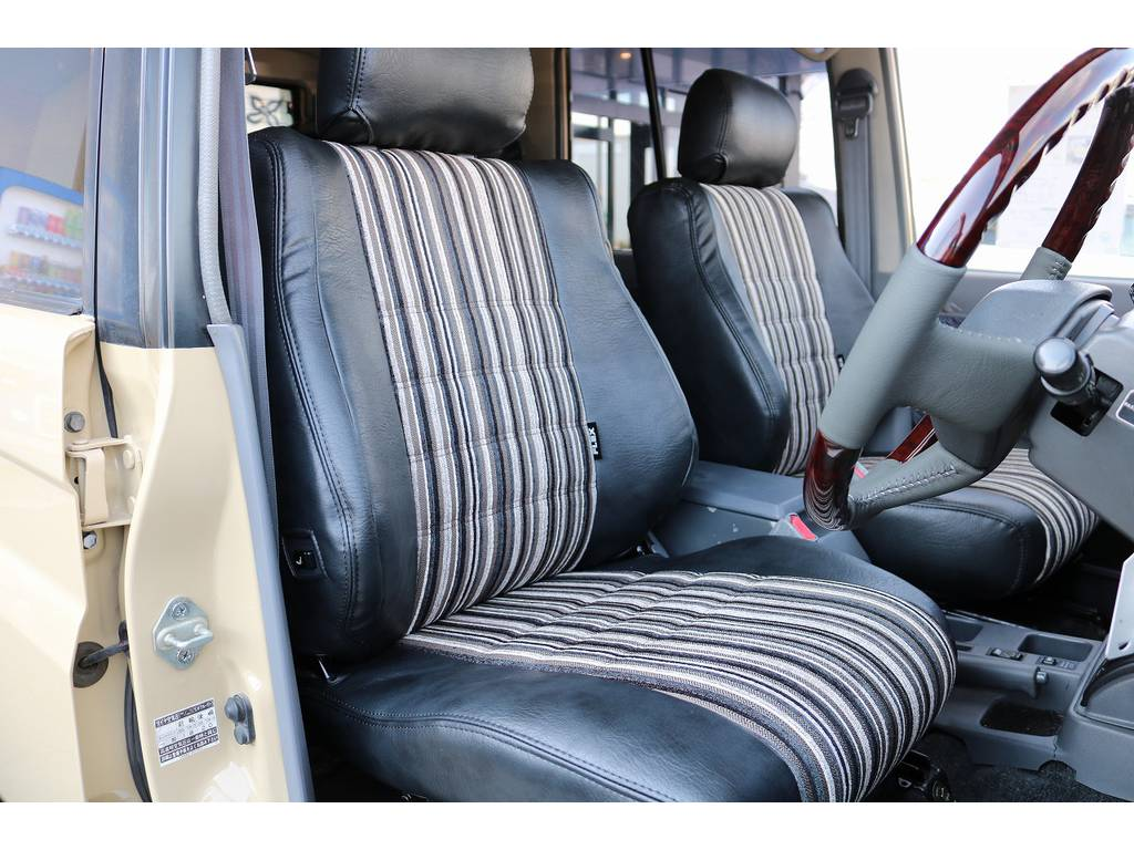 新品オリジナルシートカバー装備! | トヨタ ランドクルーザープラド 3.0 SXワイド ディーゼルターボ 4WD