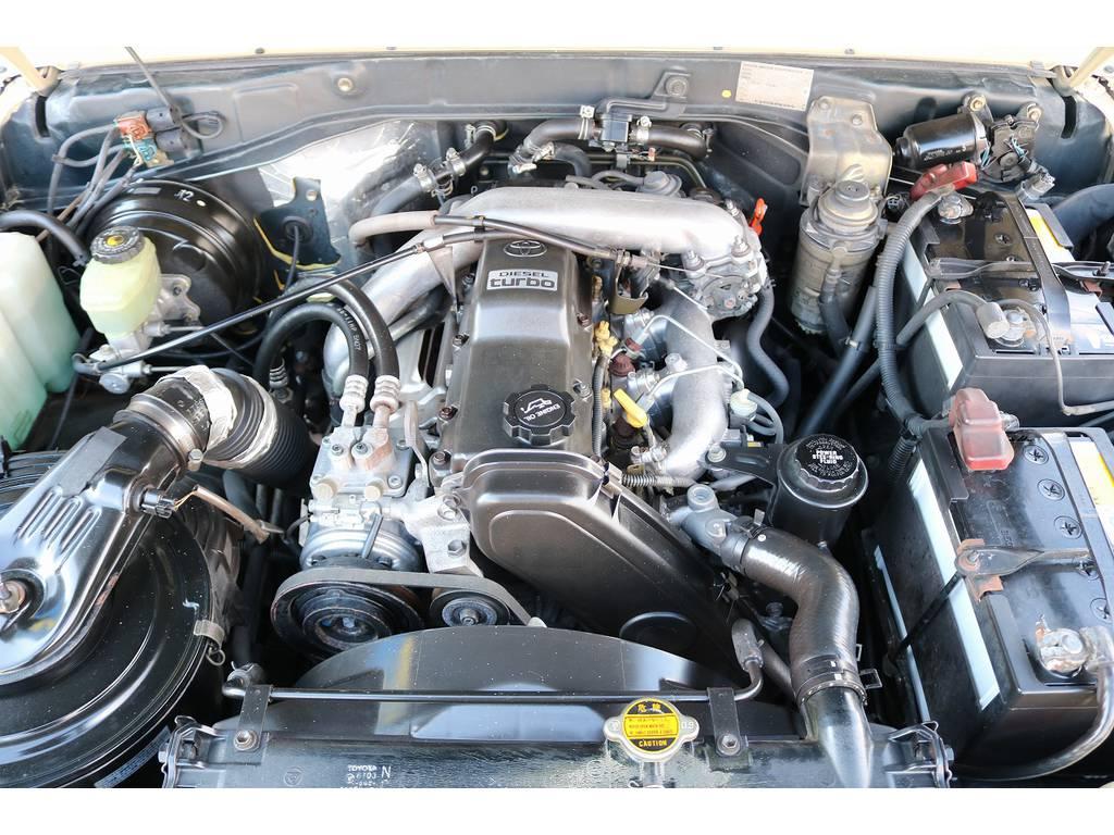 耐久性&信頼性に定評ある1KZエンジン搭載! | トヨタ ランドクルーザープラド 3.0 SXワイド ディーゼルターボ 4WD
