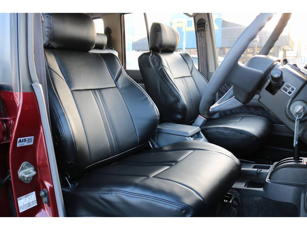 運転席シート! | トヨタ ランドクルーザープラド 3.0 SXワイド ディーゼルターボ 4WD