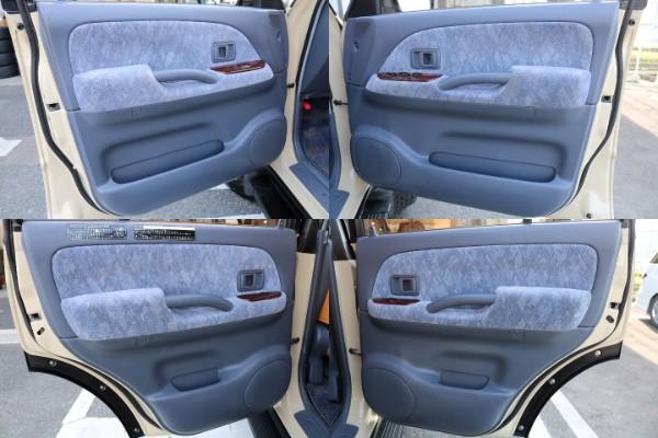 ドア内張も綺麗に保たれております! | トヨタ ランドクルーザープラド 2.7 TX リミテッド 4WD