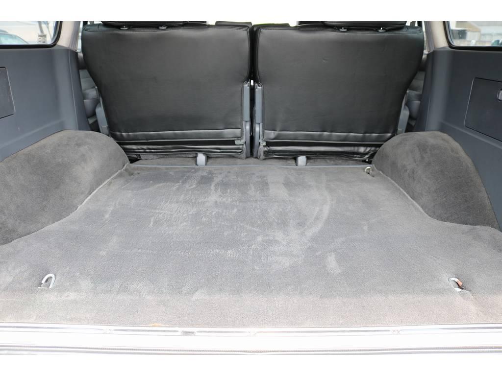積荷も沢山詰め込めるラゲッジスペース! | トヨタ ランドクルーザー80 4.2 VXリミテッド ディーゼルターボ 4WD