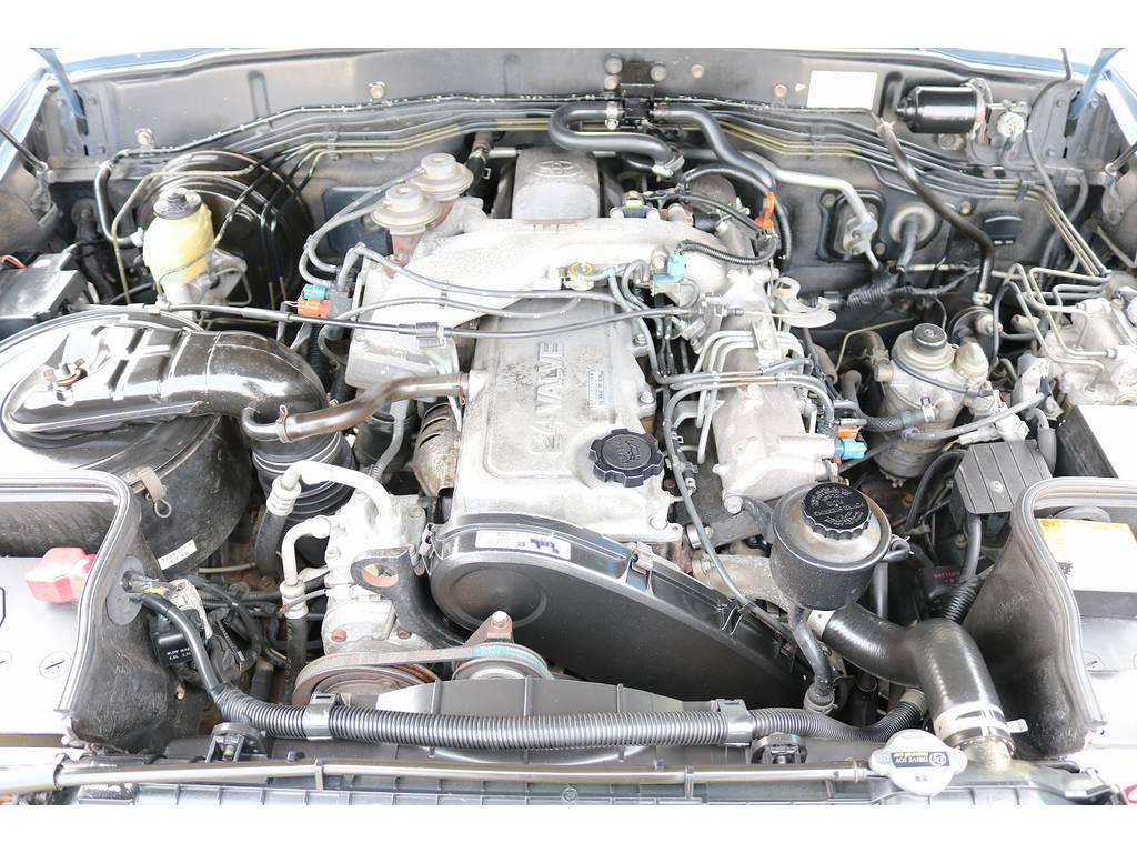 エンジンルーム! | トヨタ ランドクルーザー80 4.2 VXリミテッド ディーゼルターボ 4WD