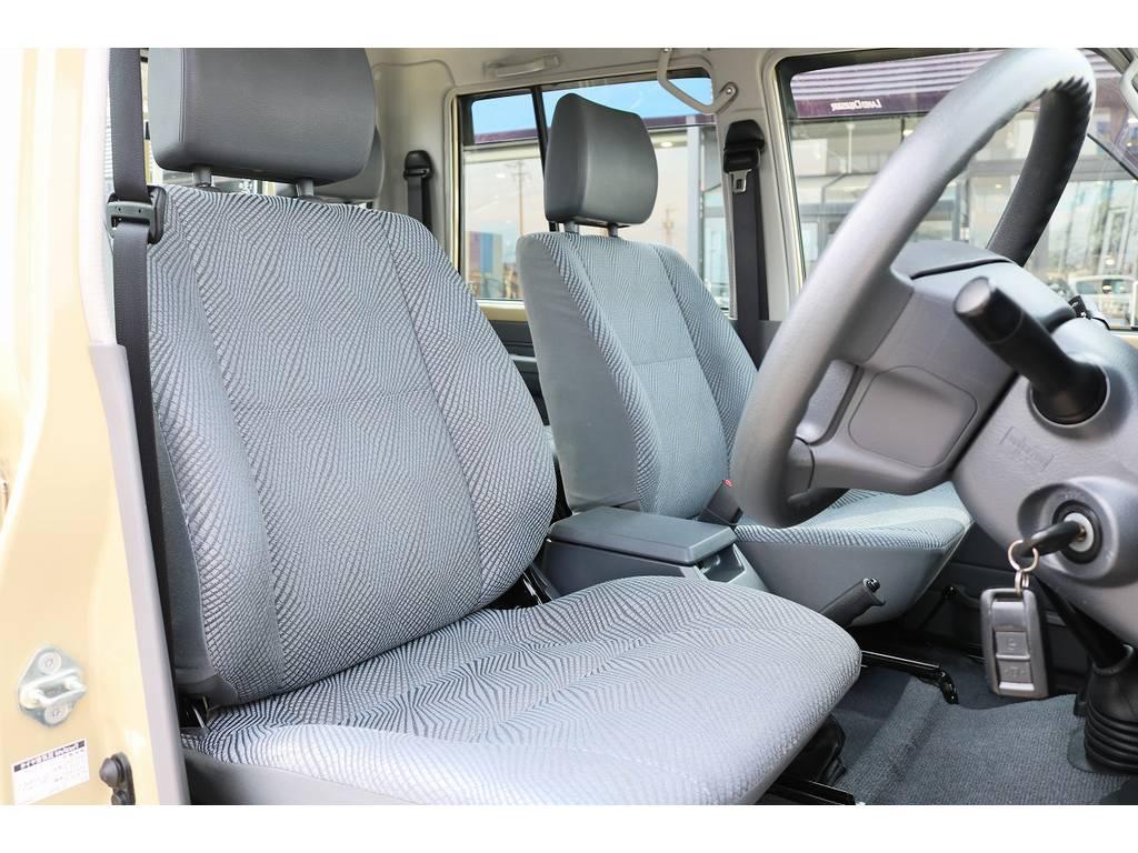 コンディションも良好な運転席シート! | トヨタ ランドクルーザー70ピックアップ 4.0 4WD ブラッドレー