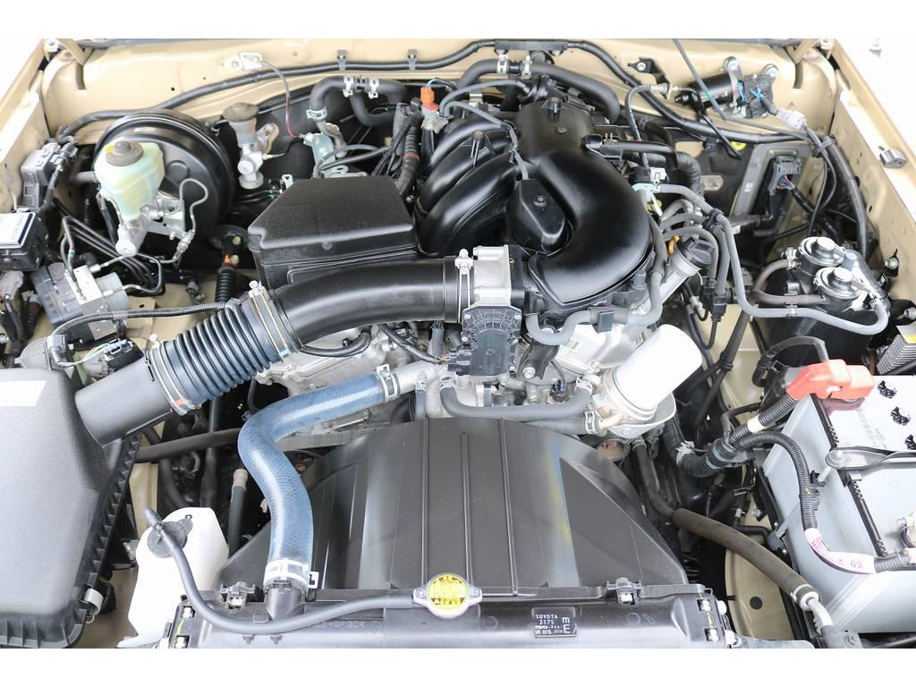1GRエンジン搭載!エンジンルームコンディションも良好です! | トヨタ ランドクルーザー70ピックアップ 4.0 4WD ブラッドレー