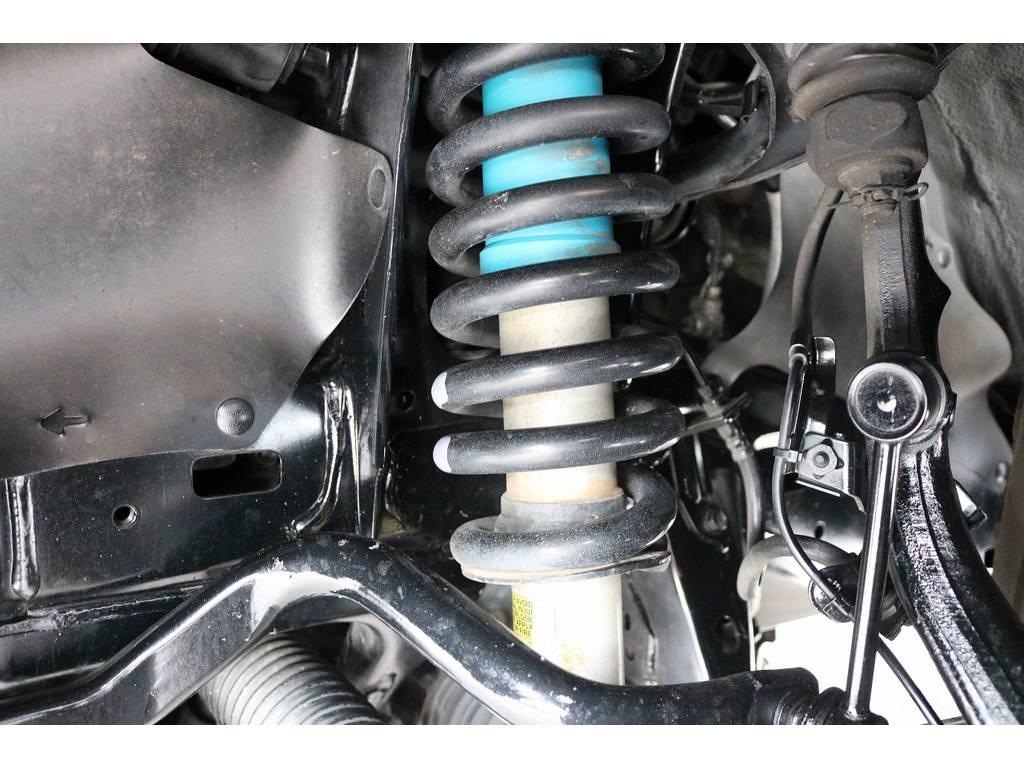 純正装備のビルシュタインショック! | トヨタ FJクルーザー 4.0 オフロードパッケージ 4WD