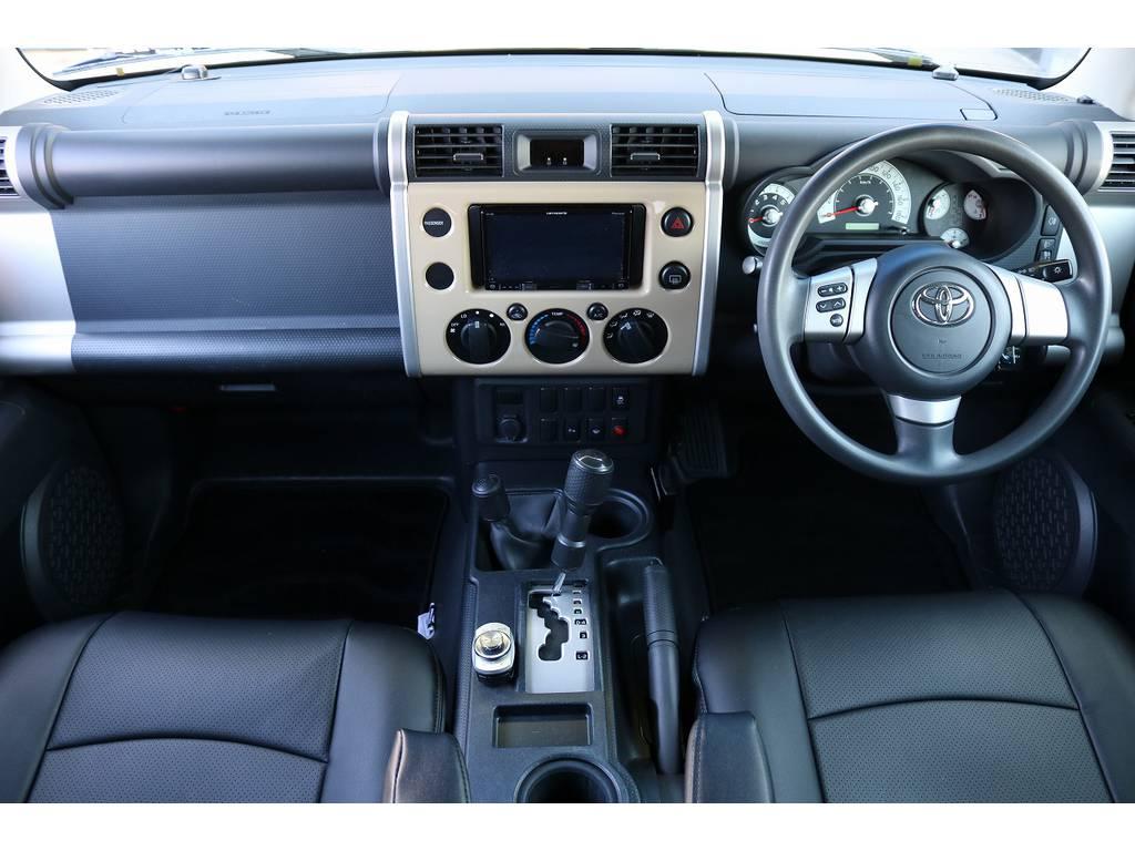遊び心くすぐるインパネ廻り! | トヨタ FJクルーザー 4.0 オフロードパッケージ 4WD
