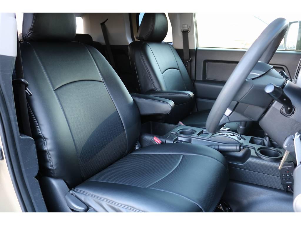新品レザー調シートカバー装備! | トヨタ FJクルーザー 4.0 オフロードパッケージ 4WD