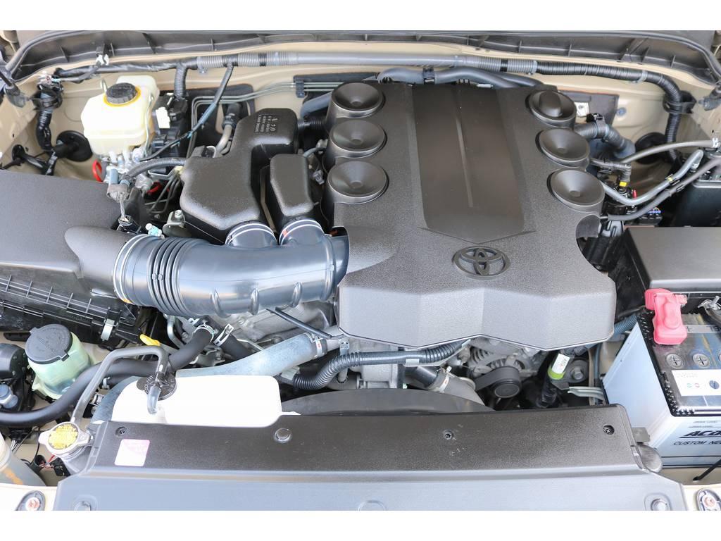 エンジンルーム! | トヨタ FJクルーザー 4.0 オフロードパッケージ 4WD
