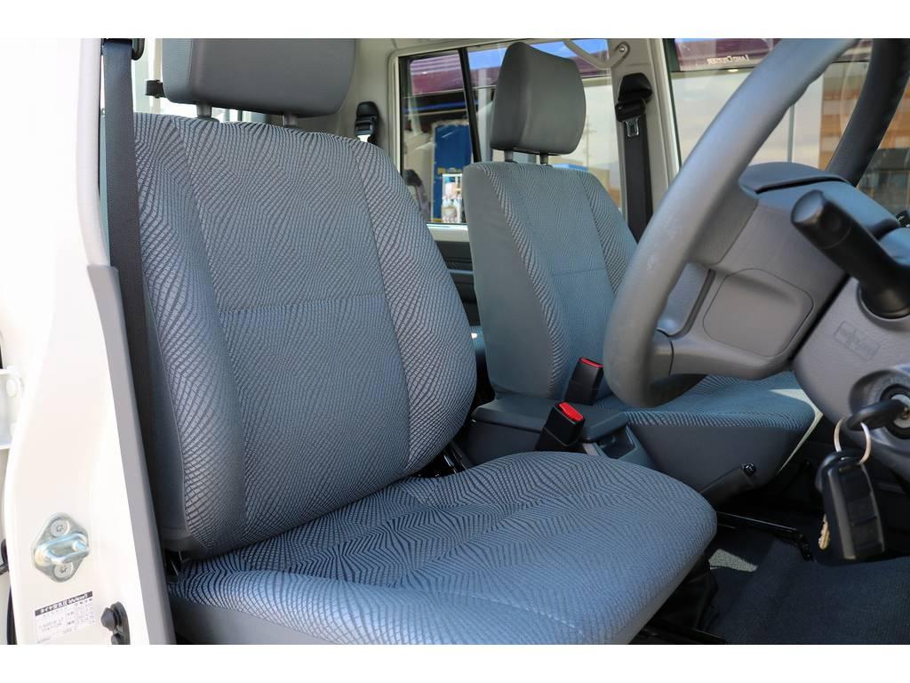 運転席シートコンディションも良好です! | トヨタ ランドクルーザー70ピックアップ 4.0 4WD