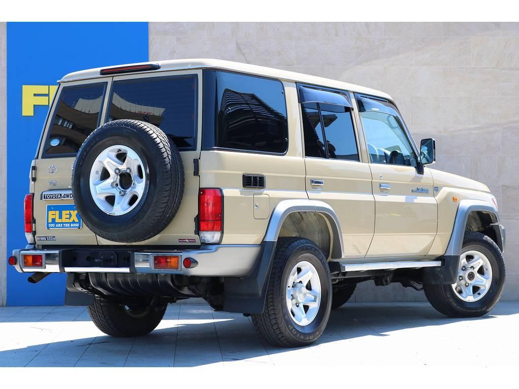 人気のベージュ! | トヨタ ランドクルーザー70 4.0 4WD 30thアニバーサリー