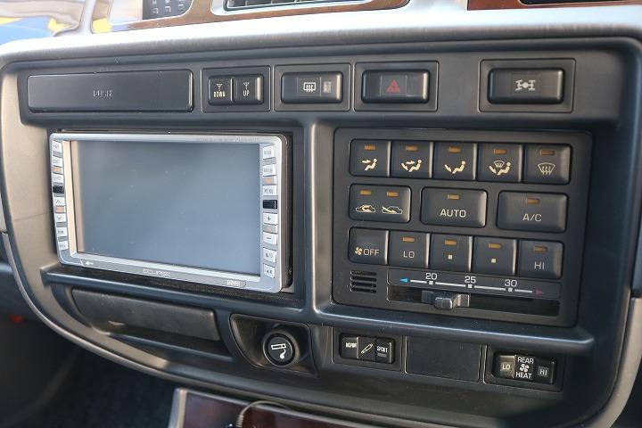 地デジ視聴可能なDVDナビ付!   トヨタ ランドクルーザー80 4.2 VXリミテッド ディーゼルターボ 4WD