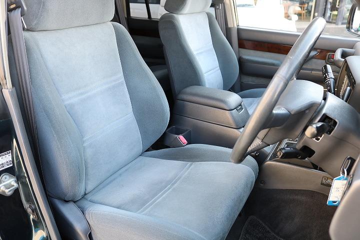 運転席コンディションも良好です!   トヨタ ランドクルーザー80 4.2 VXリミテッド ディーゼルターボ 4WD