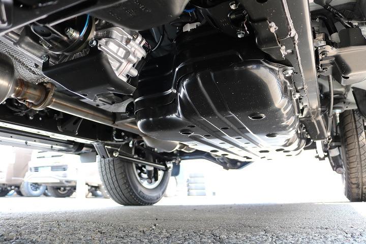 堅牢なラダーフレーム車!フルタイム4WDとの組み合わせの本格派です!