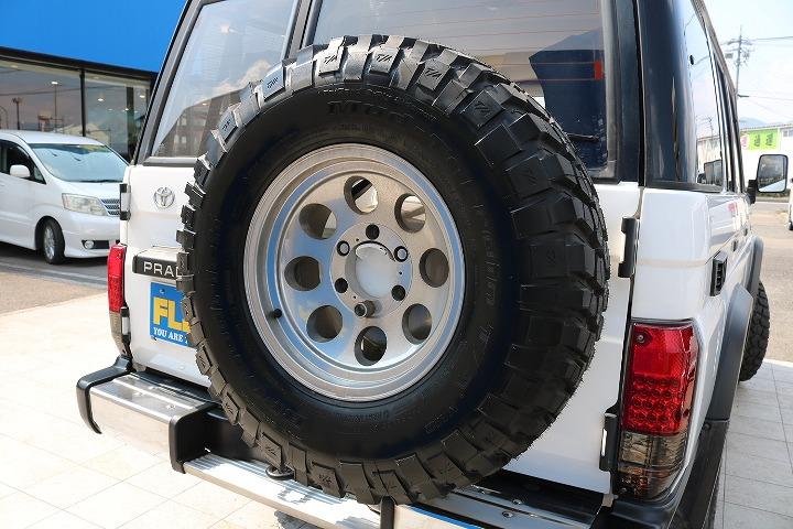 背面タイヤもしっかり背負っております!