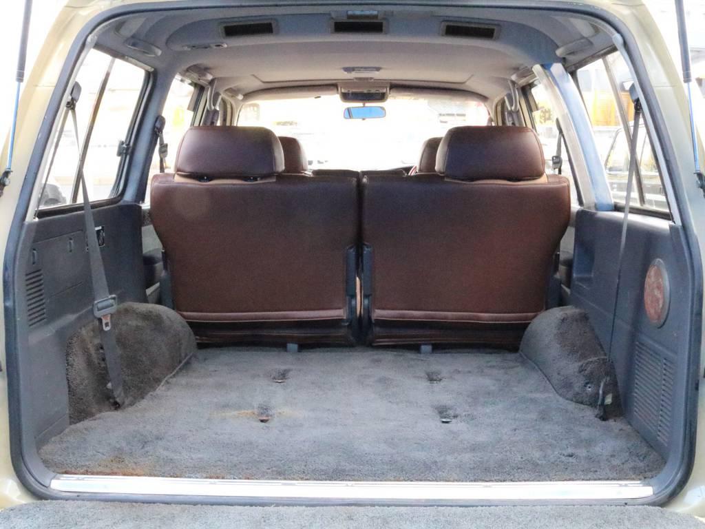 ラゲッジスペース!これからの季節レジャーなどのお荷物もガンガン載せられます! | トヨタ ランドクルーザー80 4.5 VXリミテッド 4WD 丸目換装 60フェイス