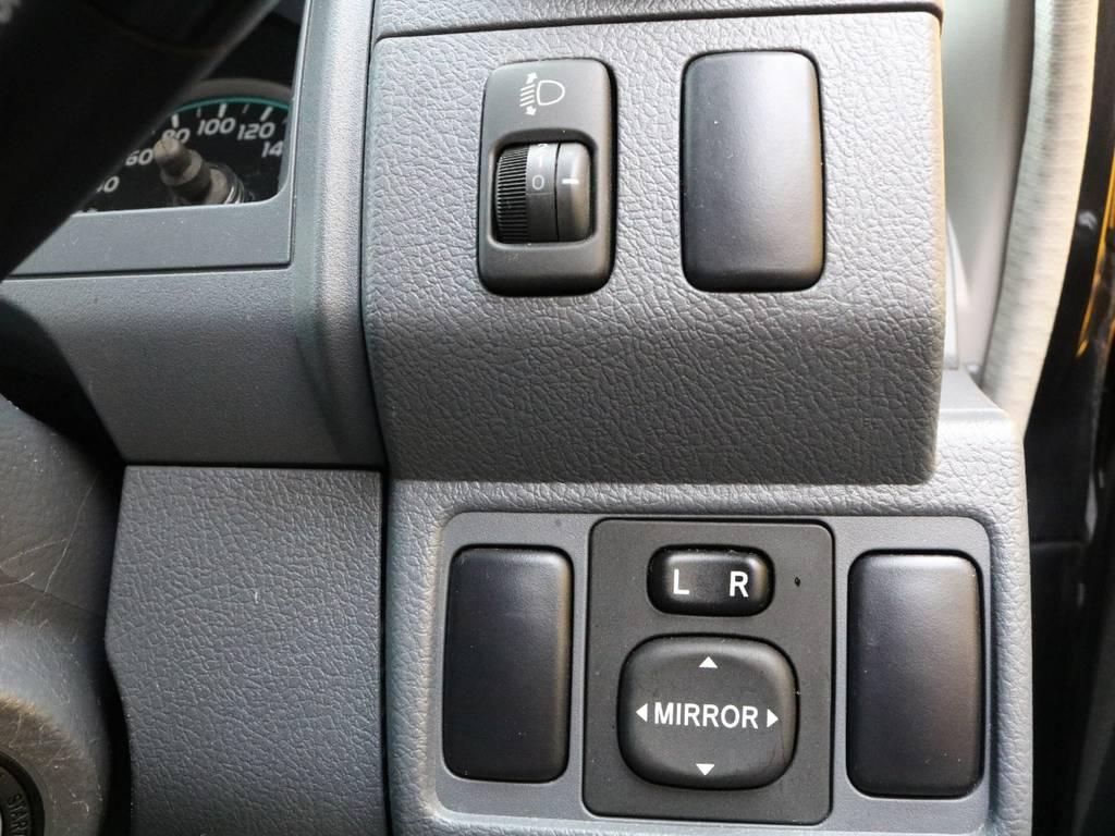 シンプルな作りで難しい操作は無く、走りを楽しむことができるMT車両☆   トヨタ ランドクルーザー70 4.0 4WD 再販モデル NEWペイント202ブラック