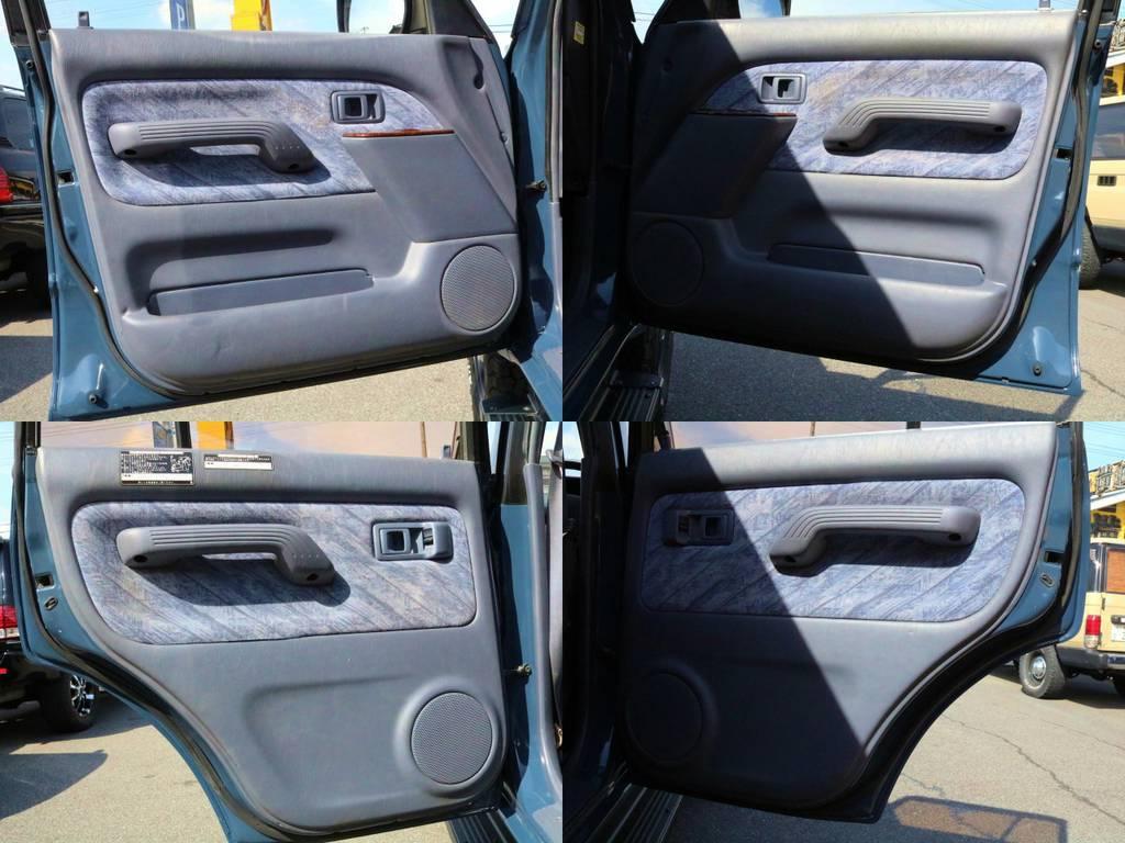 内張り | トヨタ ランドクルーザープラド 3.0 TZ ディーゼルターボ 4WD クラシックコンプリート