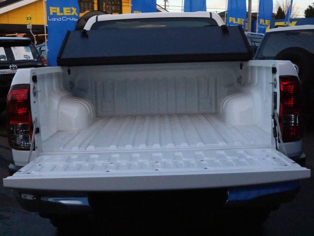 トノカバー装備!心配になる雨や荷物の盗難を軽減してくれます。