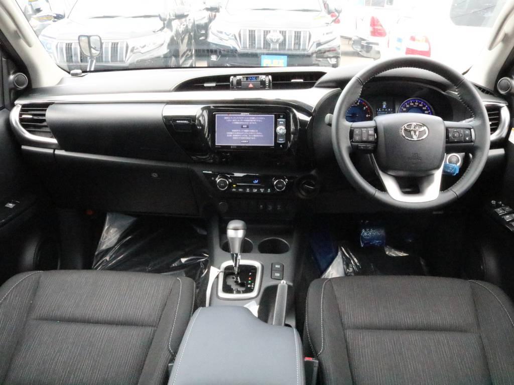 車内に乗り込んだ時の新車の匂いはたまりません!! | トヨタ ハイラックス 2.4 Z ディーゼルターボ 4WD