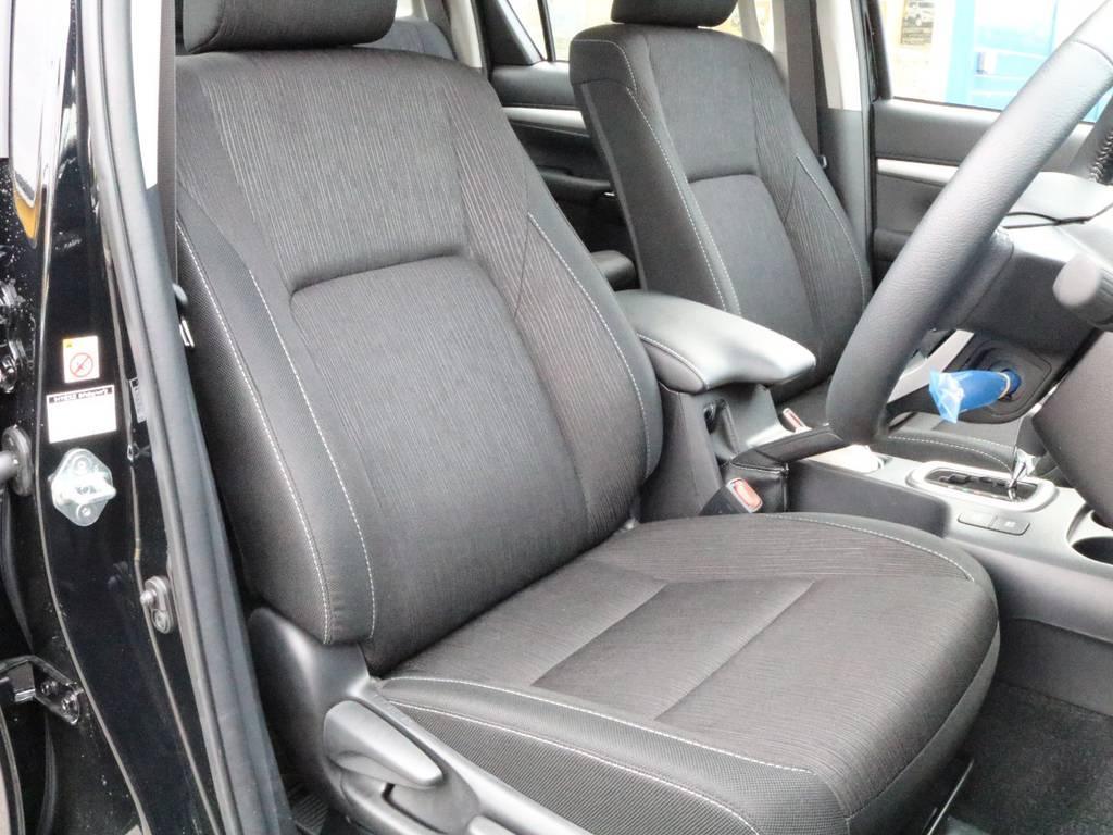 車内も黒色をベースに統一されておりとてもカッコいいです。 | トヨタ ハイラックス 2.4 Z ディーゼルターボ 4WD
