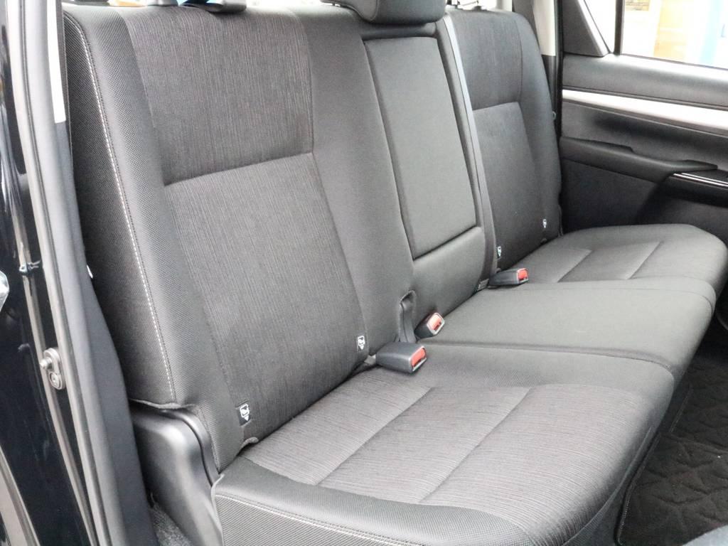 私個人的にはリアシートも中々の広さだと思います!家族でのお出掛けも出来そうですね! | トヨタ ハイラックス 2.4 Z ディーゼルターボ 4WD