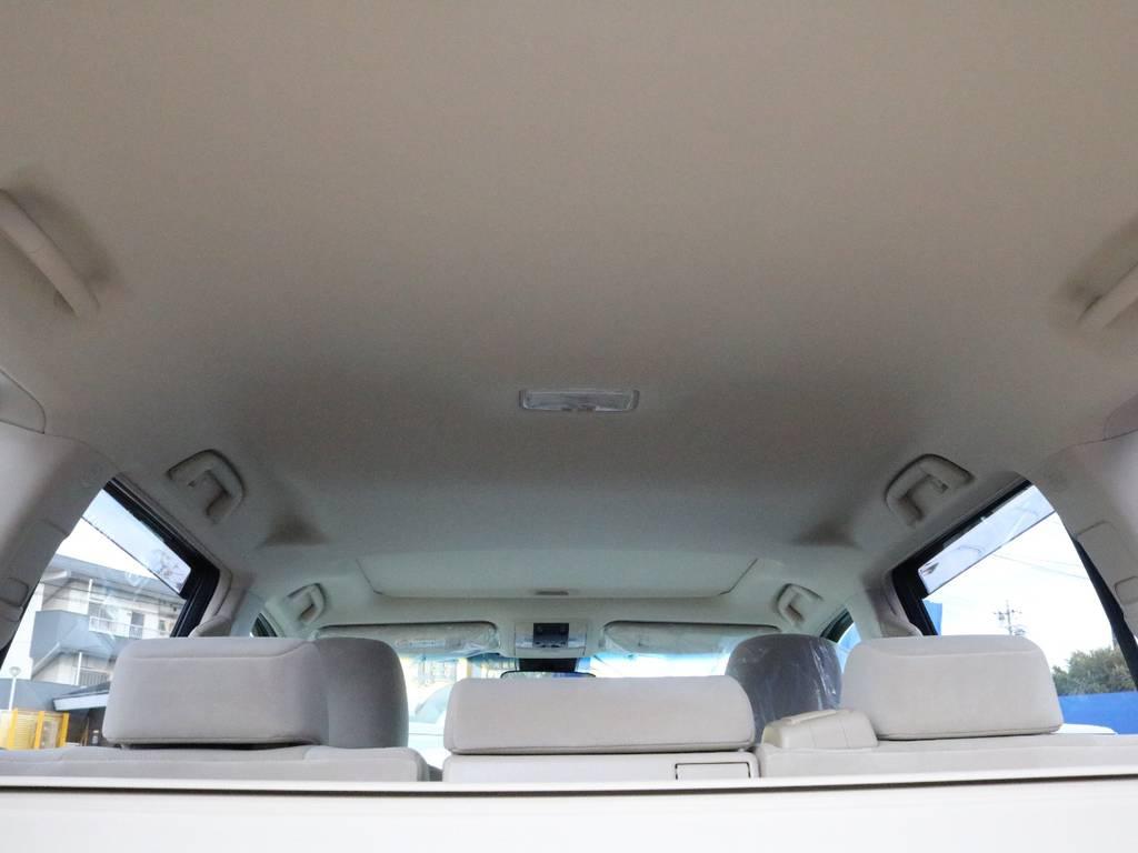 ランドクルーザーの中では1番ではないかと思う広々とした室内空間が伝わりますでしょうか!? | トヨタ ランドクルーザープラド 2.8 TX ディーゼルターボ 4WD 5人