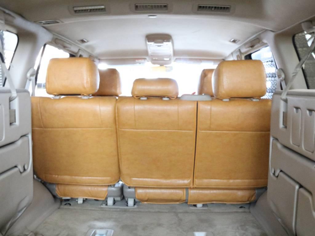 広々とした荷室は使い勝手抜群です。 | トヨタ ランドクルーザー100 4.7 VXリミテッド 4WD RenocaType106