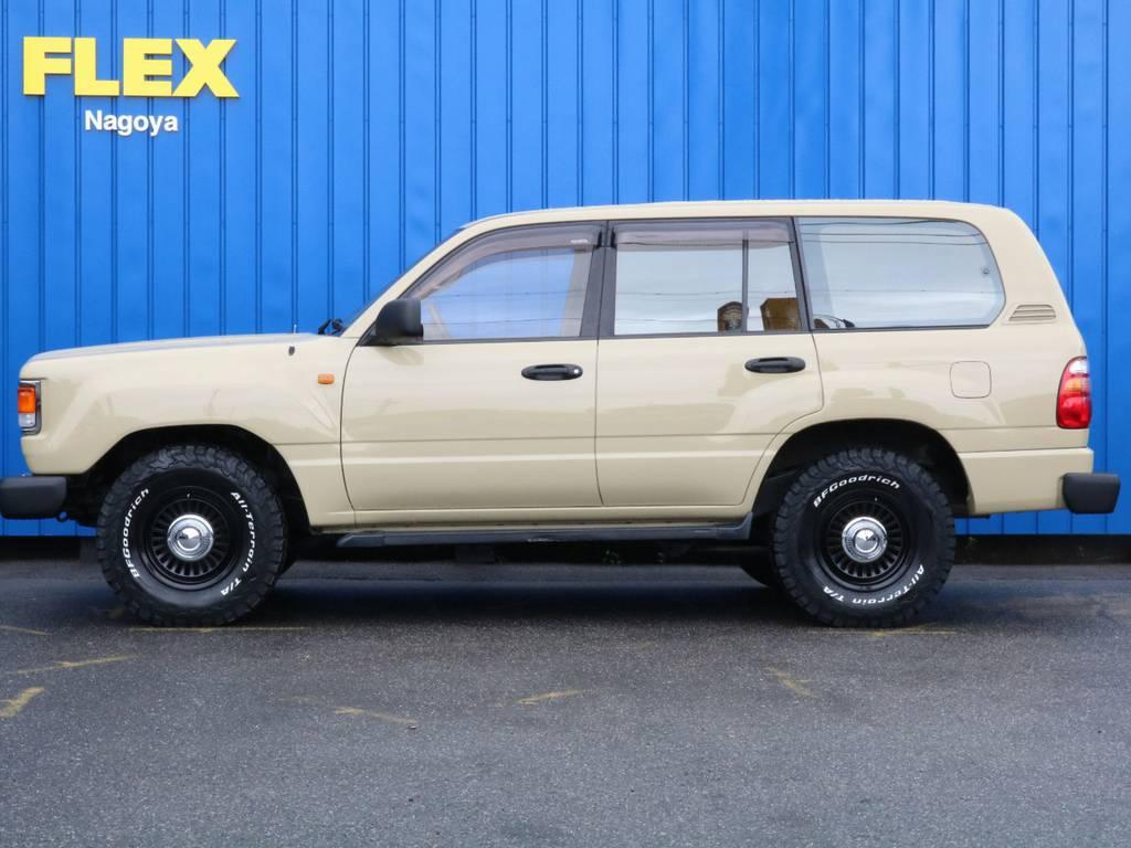 昔は、リフトUPやタイヤホイールに拘り、現在は、オシャレに拘っておりますのでカスタムはお任せください! | トヨタ ランドクルーザー100 4.7 VXリミテッド 4WD RenocaType106