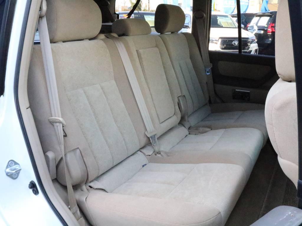 セカンドシートには、チャイルドシートも取付可能です。